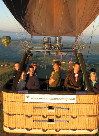 Traditional-standard-balloon-ride