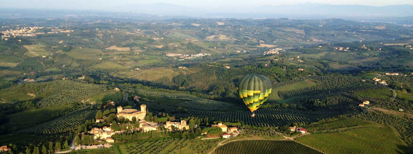 Castello-di-Poppiano-hot-air-ballooning