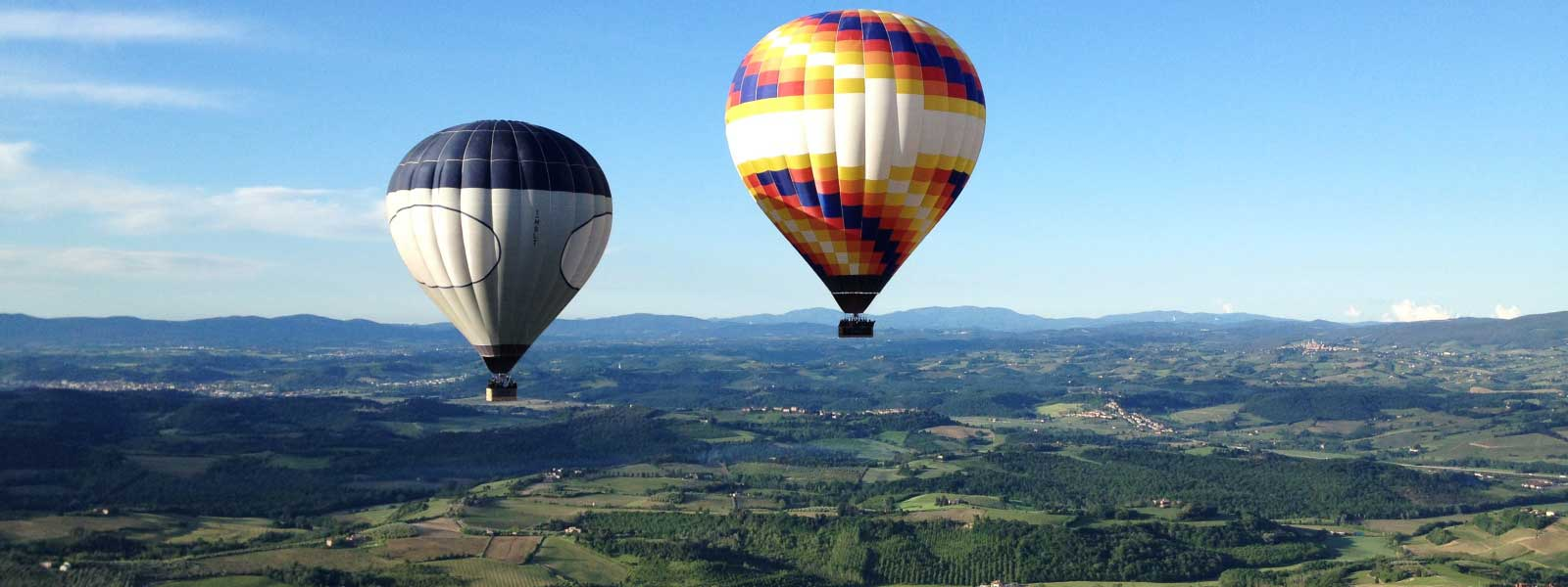 balloons-in-flight-towards-san-gimignano