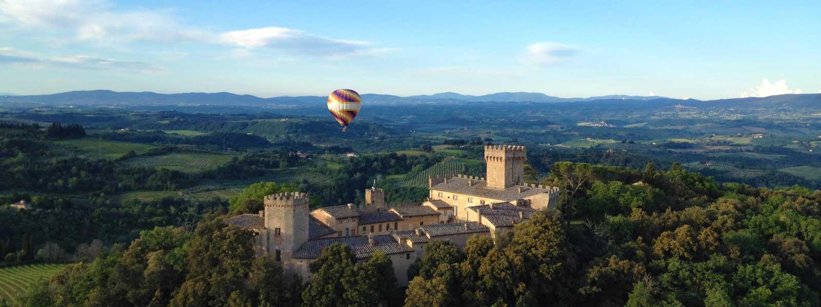 balloons-over-castello-di-santa-maria-novella