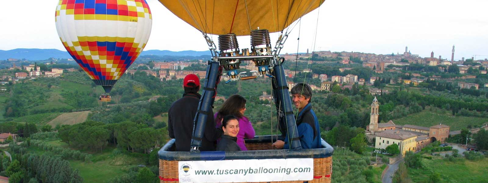 selfy-in-balloon-over-siena