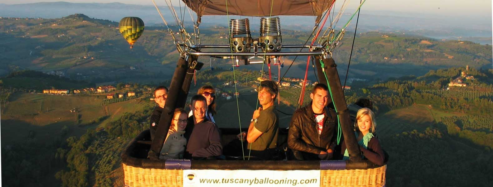 tuscany-ballooning-in-flight-over-chianti