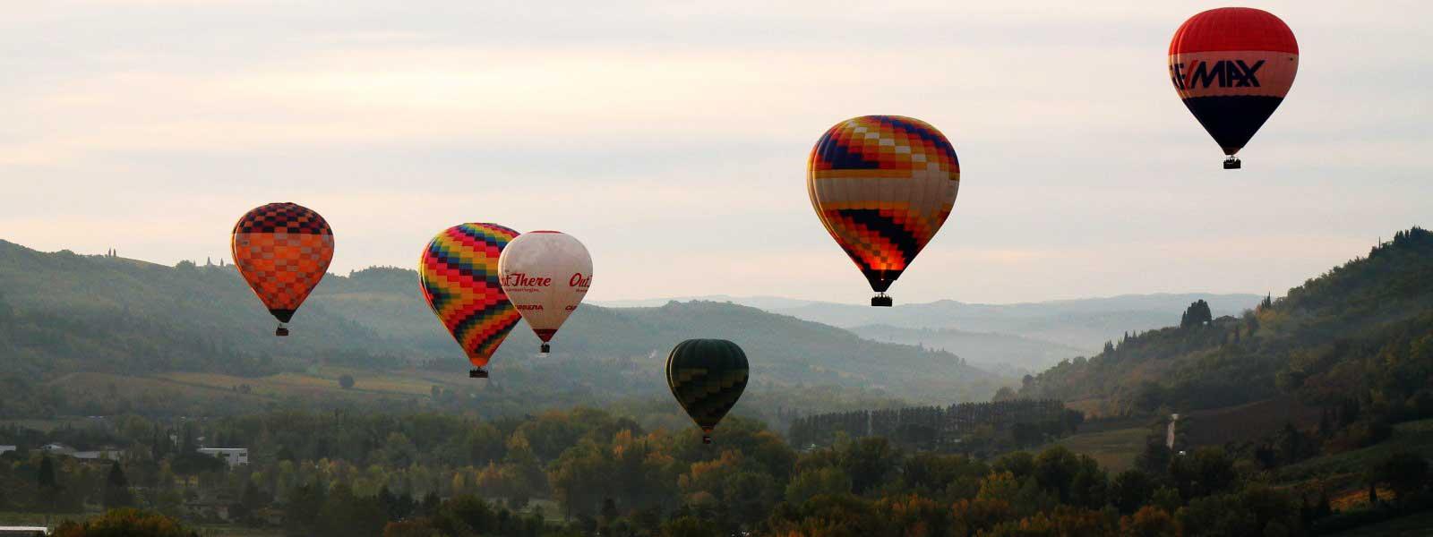 balloon-fleet-in-flight-chianti-tuscany-italy-florence