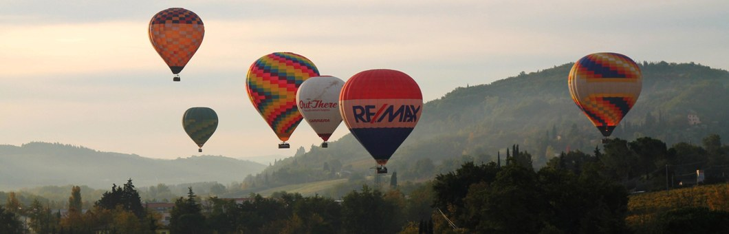 balloon-team-fleet-tuscany-ballooning