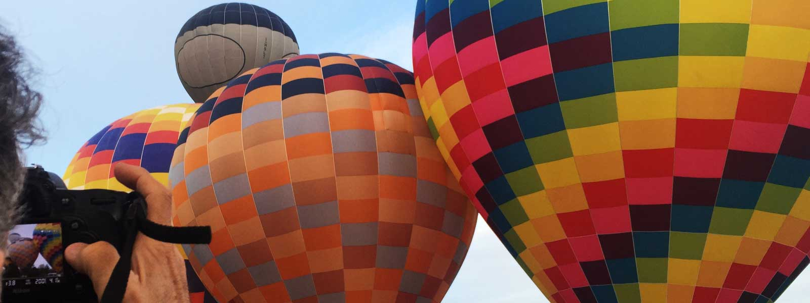 colourful-balloons-at-takeoff-tuscany-italy